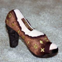 Koiran lelu, Pehmolelu koiralle Chewy Vuiton Shoe